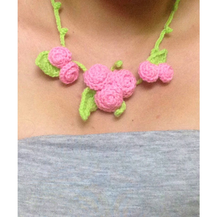Rose bud necklace by Ricincraft
