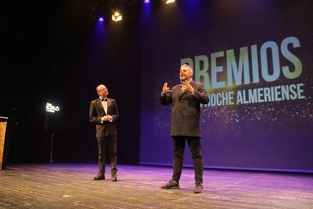 Los monologuistas Kikín Fernández  y Paco Calavera durante su actuación en la gala.