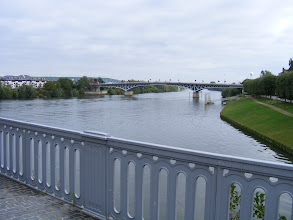 Photo: And here is the old bridge's permanent replacement, the Pont de Poissy, completed in 1952.