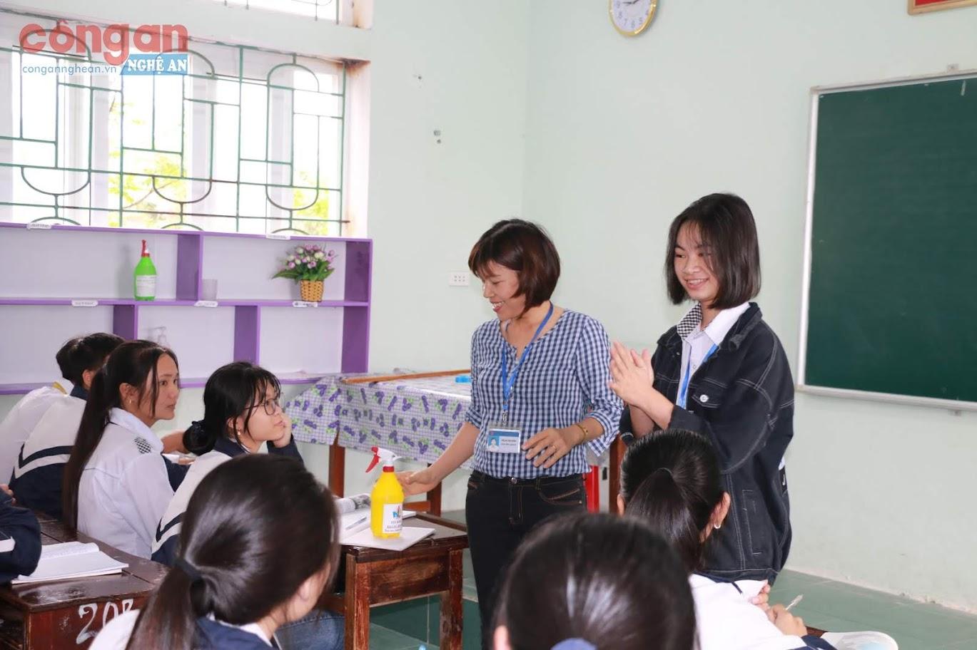 Công tác phòng chống dịch tại một số trường học trên địa bàn được thực hiện nghiêm túc