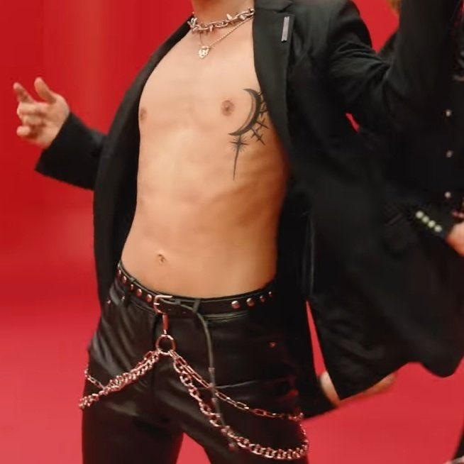 superm nct wayv ten chest tattoo @myeonchkin