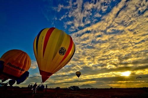 Clark Hot Air Balloon by Jaime Singlador - Landscapes Travel
