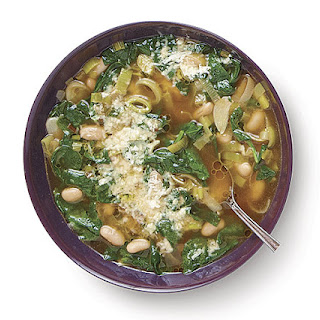 Spinach and Leek Soup with Garlic and Cannellini Beans.