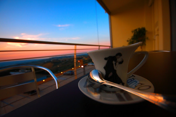 Un caffè...aspettando lei... di i3a.raw