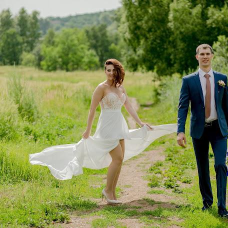 Wedding photographer Oksana Ivanova (sunnylight). Photo of 22.07.2017