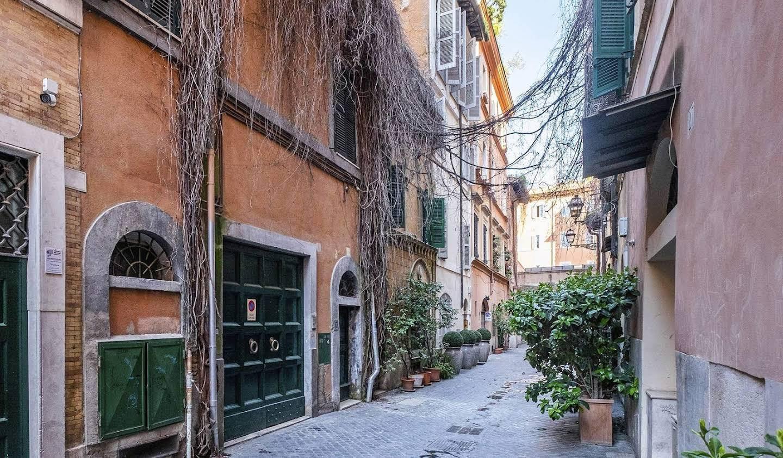 Villa with terrace Rome