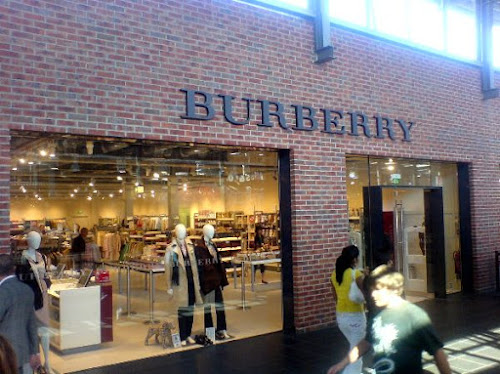 Photo The Burberry Factory Shop