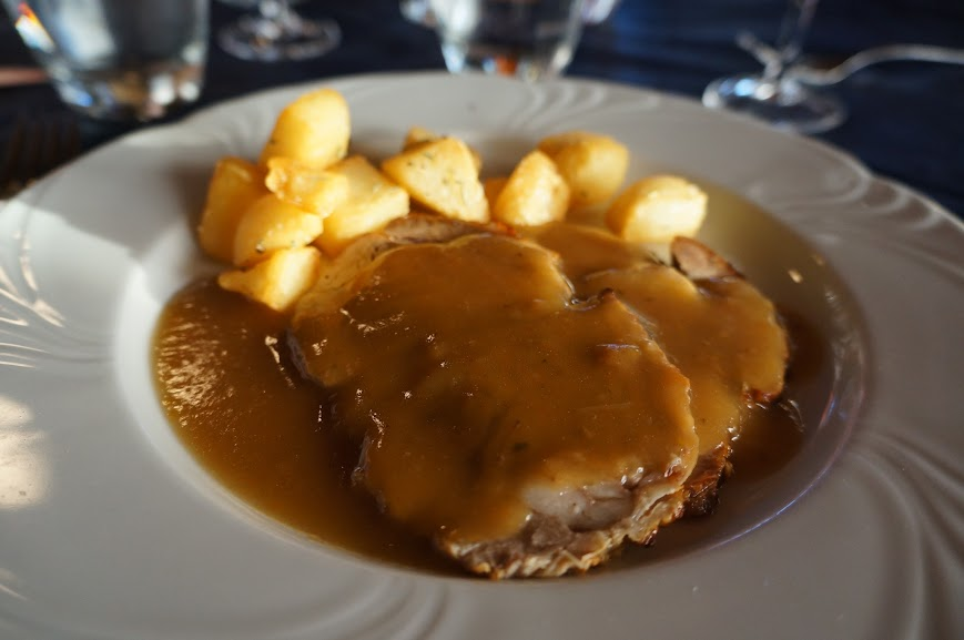 Veal cutlets with potatoes