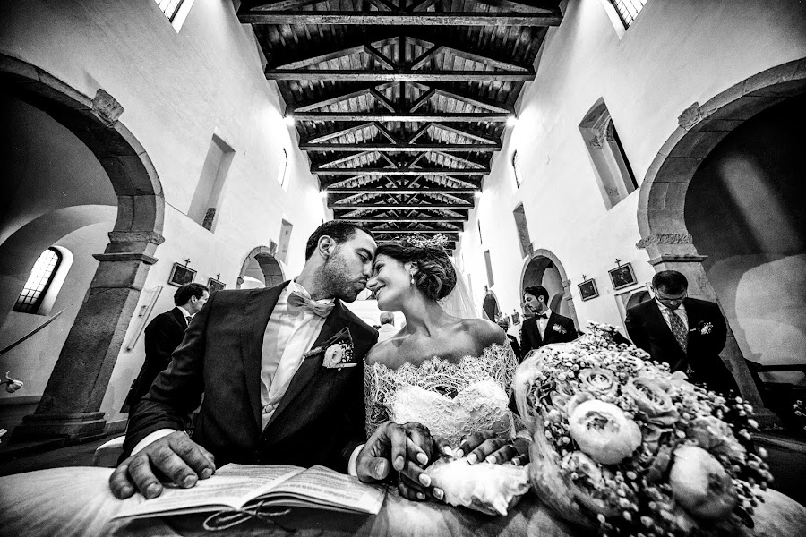 Wedding photographer Giuseppe Genovese (giuseppegenoves). Photo of 15.07.2016