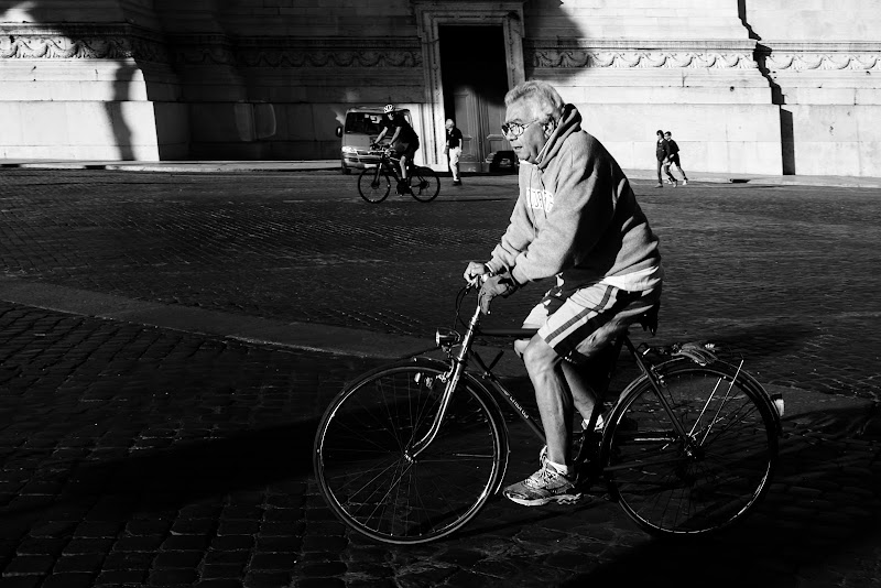 Pedalando a Roma di Donatella Brusca