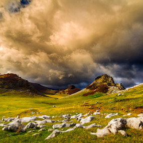 Crovuri by Adrian Urbanek - Landscapes Cloud Formations