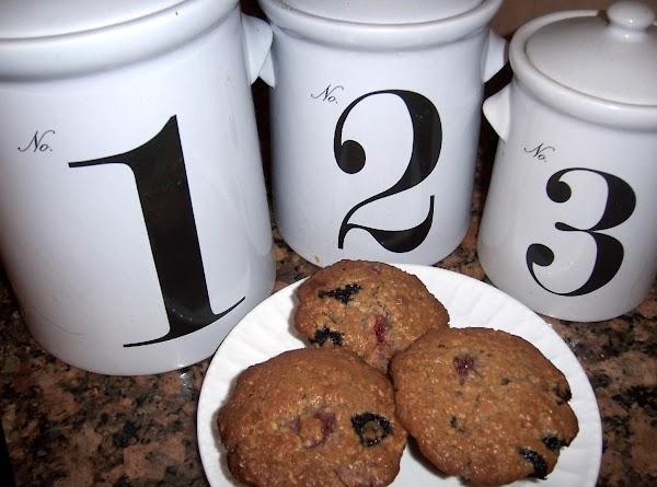 Fresh Strawberry/blueberry Oatmeal Muffins Recipe