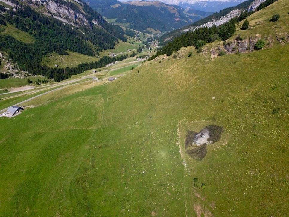 A arte biodegradável do suiço Saype