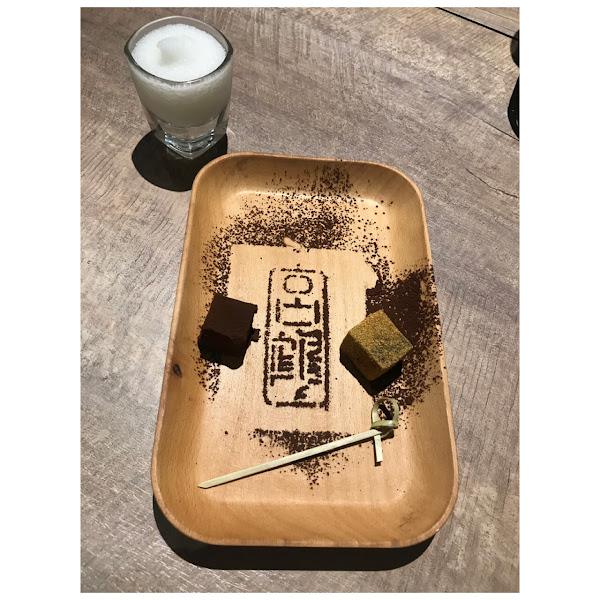 2人套餐$1999 (1成服務費) 凡是出示會員卡 就會送一支龍蝦(活動到11月底) 推薦:黑蒜頭湯底 ♡♡