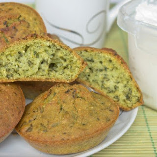 Spinach, parmesan, and sausage cornbread muffins | iStock.com