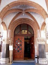 Photo: Bejárat a könyvtárba