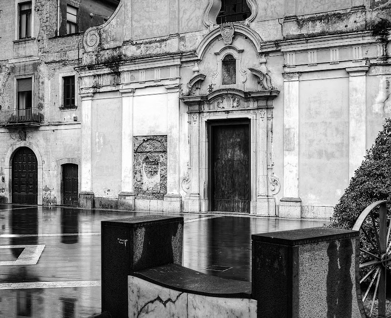 Riflessi in piazza di anonimo_latino