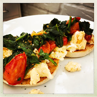 Scrambled Egg Muffins With Spinach And Tomatoes.