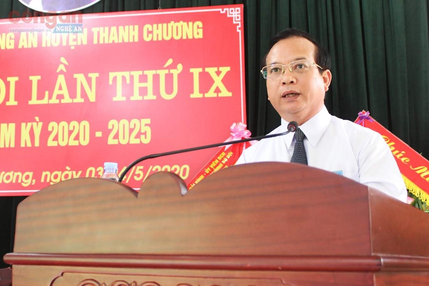 Đồng chí Nguyễn Văn Quế, Phó Bí thư Huyện uỷ, Chủ tịch UBND huyện Thanh Chương phát biểu tại Đại hội