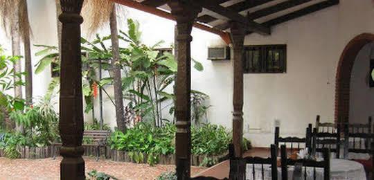 Urbari Apartment Hotel