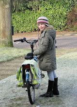 Photo: Lieve op Maaike's oude fiets