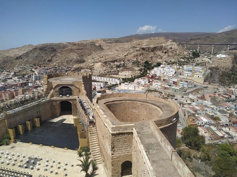 Vista hacia el barrio de Pescadería-La Chanca desde el punto más alto de la Alcazaba