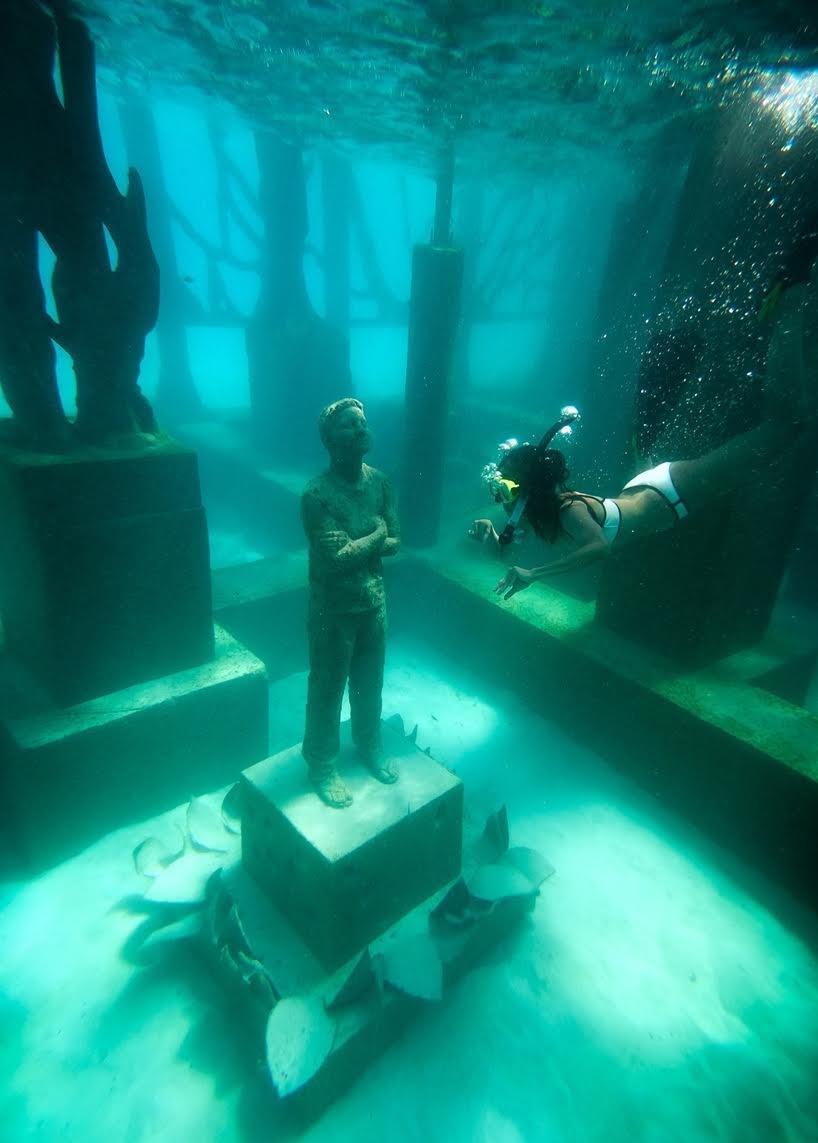 The Coralarium: una instalación escultórica semi-sumergida en el Océano Índico