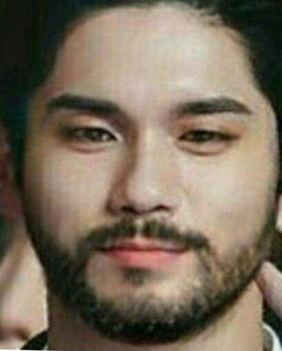 ongsungwoo-facial-hair