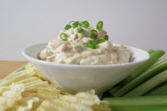 Photo: French Onion Dip - A healthy, savory dip with little bits of caramelized onions, mixed with greek yogurt, mayonnaise and seasonings.  http://www.peanutbutterandpeppers.com/2013/02/01/french-onion-dip/  #frenchonion   #onions   #sppetizer   #spread   #superbowlrecipes