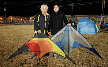 Photo: Khanh then took a photo of Frank and me with 2 of the kites we flew that evening. An HQ Midi on the left and a L'Atelier Lithium UL on the right. In the back, several of the regulars stayed warm in front of the propane heaters. Later Frank and I went for Sushi after the wind died.