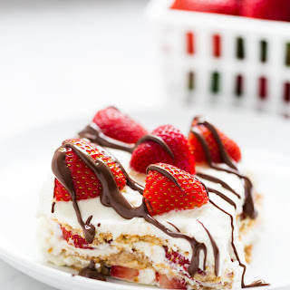 NO BAKE Strawberry Icebox Cake