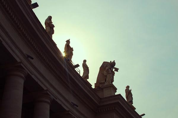 Luce nascosta tra le sculture di valec