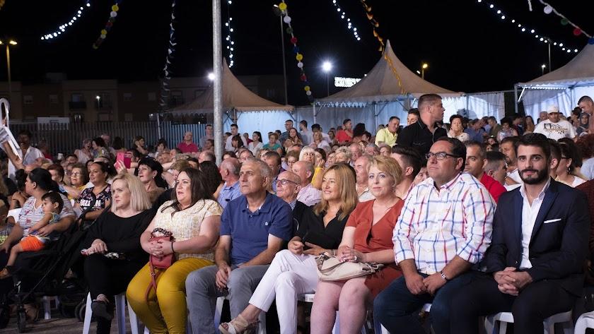 Las primeras autoridades nijareñas presidieron la gala inaugural de las Fiestas de Campohermoso.