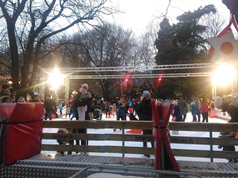 Gente in movimento, Pattinaggio sul ghiaccio di marco_de_giosa