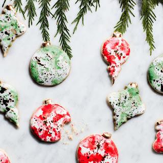 Watercolor Christmas Ornament Cookies.
