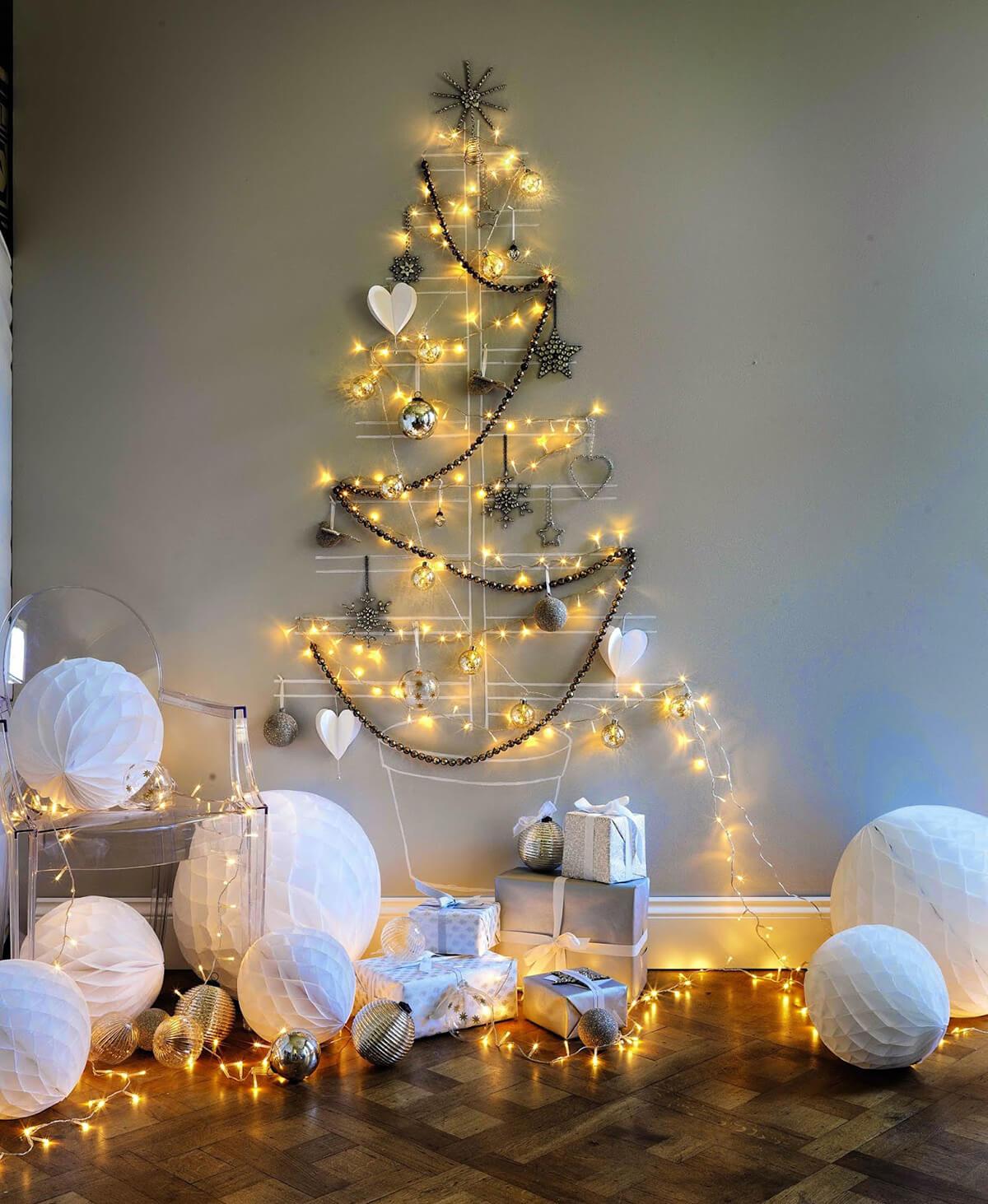 Brighten Up the Christmas Tree