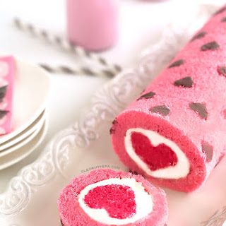 """""""Love is All Around"""" Cake Roll"""