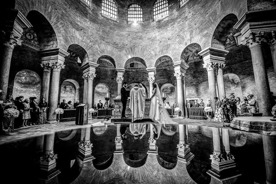 Wedding photographer Massimiliano Magliacca (Magliacca). Photo of 28.11.2017