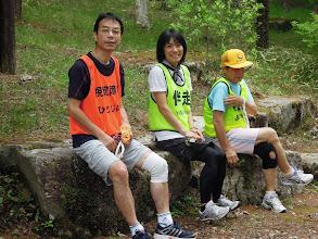 Photo: 走ってきてエイドの前は、絶好の一休み場所、ひとじい、ヤンヤン、ようかいも休憩中 絵になる風景!