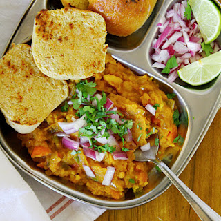 Pav Bhaji {Indian Street Food – Spiced Mashed Vegetables With Homemade Bread Rolls}.