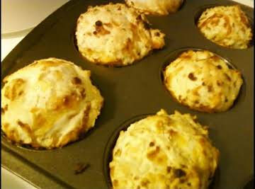 3 CHEESE & ONION MUFFINS (JUMBO)
