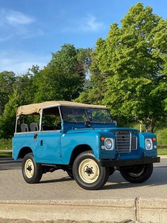 1964 Land Rover convertible Hire IL 60044