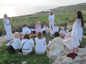 Photo: Malta 2011 Ausrichten des kristallinen Gitternetzes der Erde