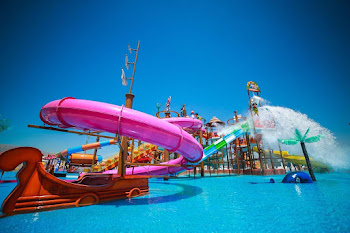 Mambo Beach & waterpark