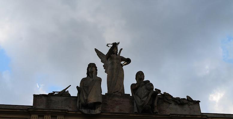 Apollo, Poesia e Tragedia sul tetto della città di Federica Patalano