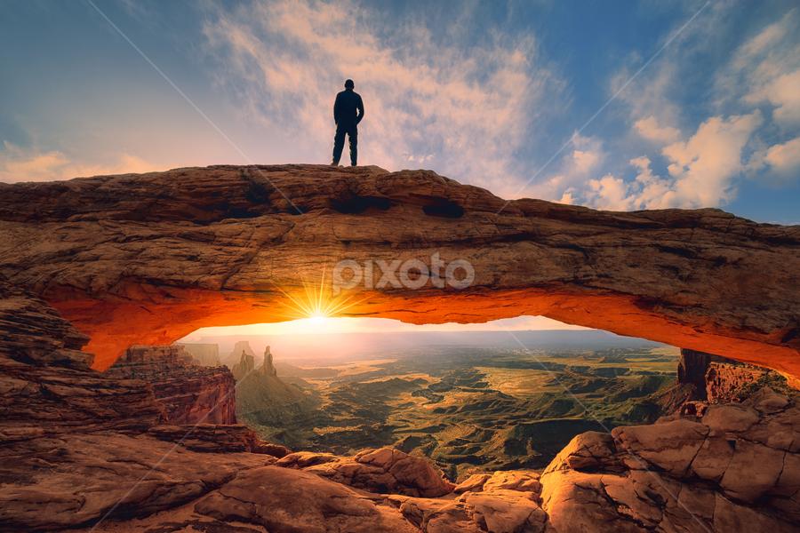 Watchig sunrise by Sushmita Sadhukhan - Landscapes Sunsets & Sunrises ( national park, utah, arches, mesa arch, canyonland,  )