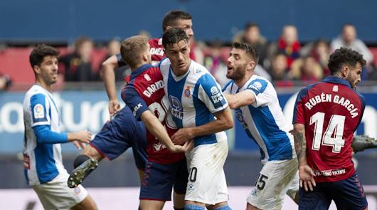 Osasuna y Espanyol, durante un partido de la última jornada de Liga disputada.