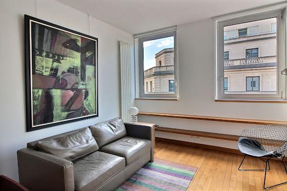 Location studio meublé 30 m2 à Paris 1er