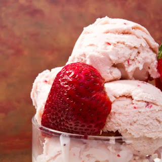 Copycat Very Berry Strawberry Ice Cream