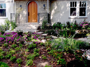 Photo: Focus on blending plantings with stonework to create a soft and welcoming garden.